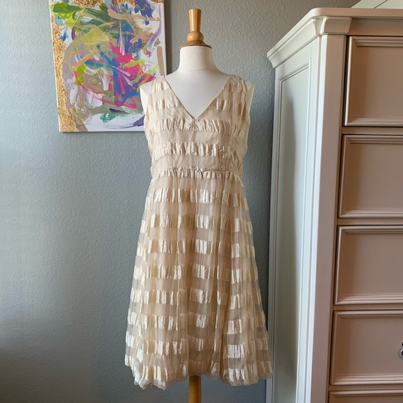 Tracy Reese Dresses & Skirts - Tracy Reese Beige Striped V Neck Dress!